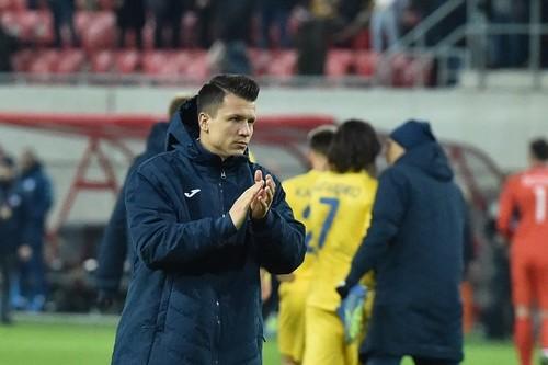 Гравці збірної України прочитали вірш Миколи Вінграновського