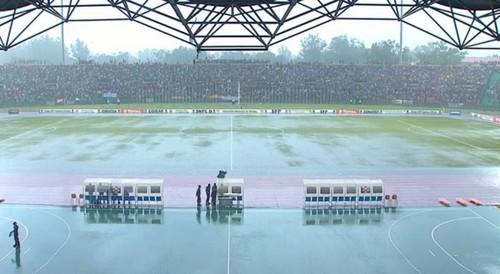 ВИДЕО ДНЯ. В Африке ливень превратил футбольный матч в водное поло