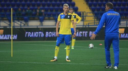 ВИДЕО ДНЯ. Зинченко забил всем трем вратарям сборной Украины