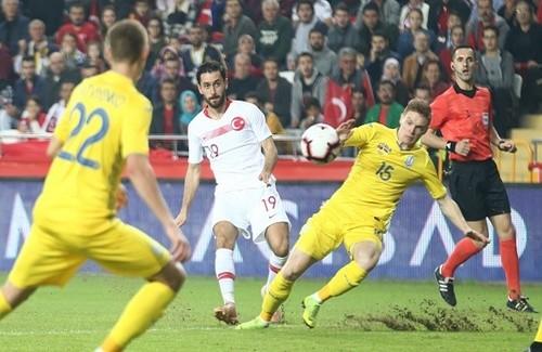 Украина сыграла в безголевую ничью с Турцией в товарищеском поединке
