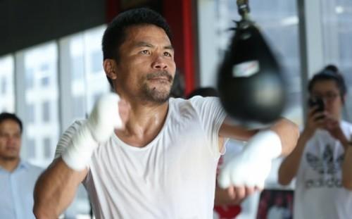 Пакьяо начал тренировочный лагерь в Маниле перед боем с Бронером