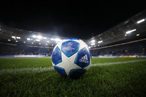 ЛЧ. Бавария разгромила Бенфику, ничья Манчестер Сити и Лиона