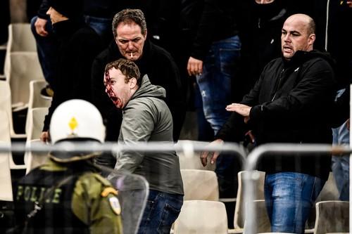 Во время матча АЕК – Аякс на трибунах прогремел взрыв