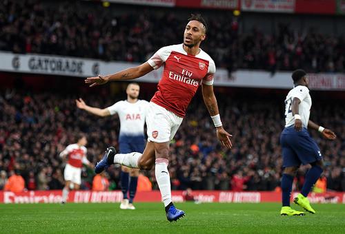 Арсенал в напряженном дерби одержал волевую победу над Тоттенхэмом