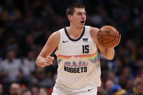 Никола Йокич вышел на 2-е место в НБА по трипл-даблам среди центровых