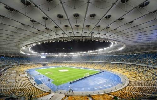 Агрономы Шахтера помогут сотрудникам НСК Олимпийский подготовить поле