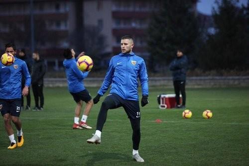 Артем КРАВЕЦ: «Проигрывали из-за ошибок главного тренера»