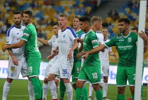 Где смотреть онлайн матч чемпионата Украины Карпаты – Динамо