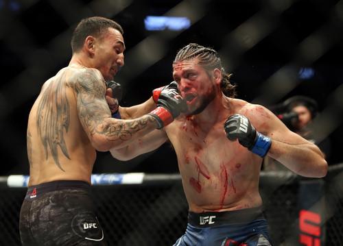 UFC 231. Бой Холлоуэй - Ортега стал лучшим на турнире