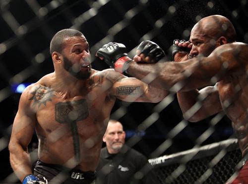 ВИДЕО ДНЯ. Мощная рубка двух нокаутёров в UFC