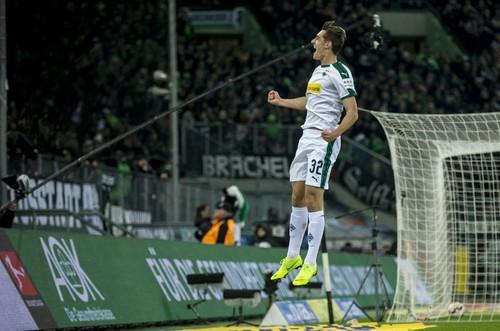 Боруссия Менхенгладбах – Штутгарт – 3:0. Видео голов и обзор матча
