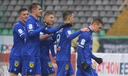 Динамо ушло на зимний перерыв на втором месте, победы Бё и Макарайнен