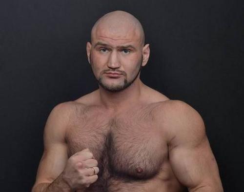 Головащенко проиграл Франку техническим нокаутом