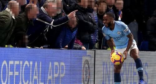 Челси наказал фанов, оскорблявших Стерлинга расистскими кричалками