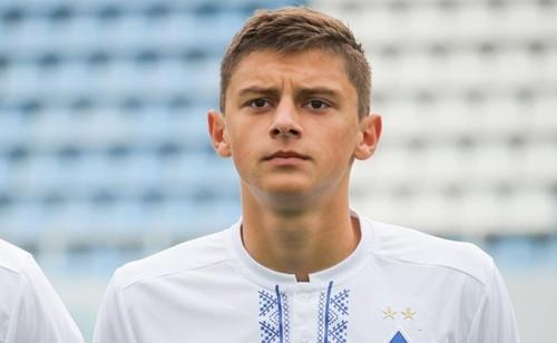 Виталий МИКОЛЕНКО: «Неделю просил родителей отвезти меня в Динамо»