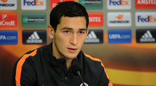 Тарас СТЕПАНЕНКО: «Хорошо, что играем не во Львове - там плохое поле»