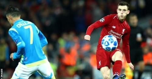 Слепой фан Ливерпуля на стадионе радуется голу Салаха