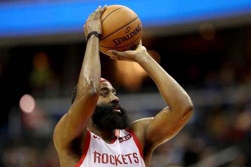 Харден вышел на первое место в истории НБА по количеству трипл-даблов