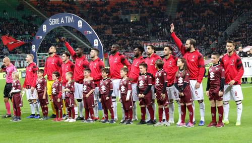 УЕФА не дисквалифицировал Милан, но отобрал у клуба 12 миллионов