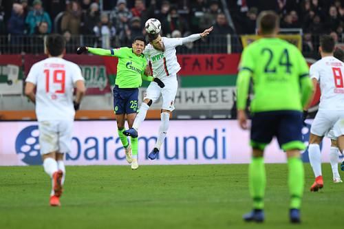 Аугсбург – Шальке – 1:1. Видео голов и обзор матча