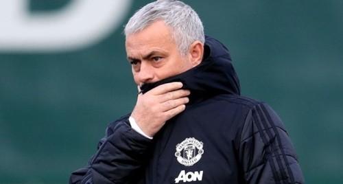 Большинство игроков Манчестер Юнайтед ополчилось на Моуриньо