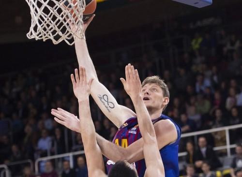 Барселона снова уступила в Евролиге, Пустовой набрал 4 очка
