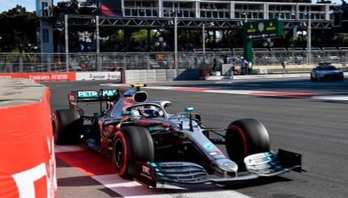 Боттас выиграл гонку в Баку, у Мерседеса снова победный дубль
