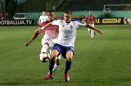Два удаления не помешали Динамо нанести поражение Львову