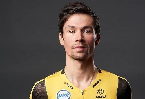 Роглич выиграл стартовый этап Джиро д'Италия