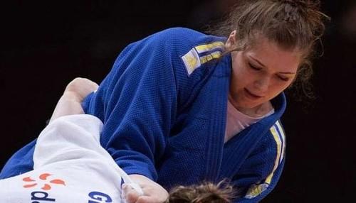Каланина выиграла турнир серии Grand Slam по дзюдо в Баку