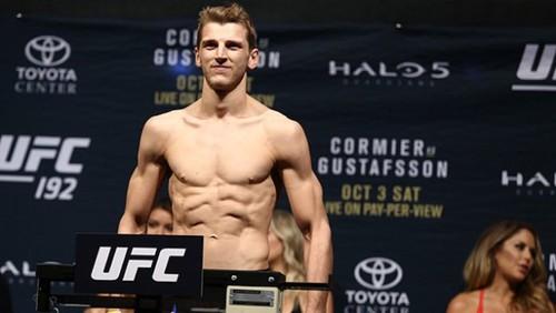 UFC 243. Эл Яквинта – Дэн Хукер. Прогноз и анонс на бой