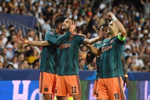 Валенсия — Аякс — 0:3 . Видео голов и обзор матча