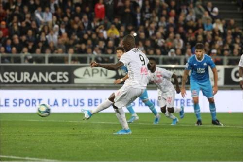 Амьен прервал беспроигрышную серию Марселя в Лиге 1