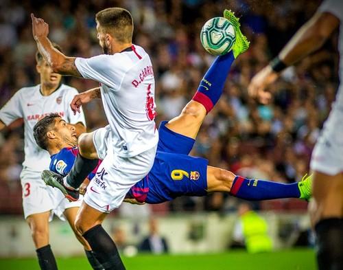 ВИДЕО. Шикарный гол Луиса Суареса через себя в ворота Севильи