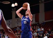 Михайлюк набрал 8 очков в предсезонном матче НБА