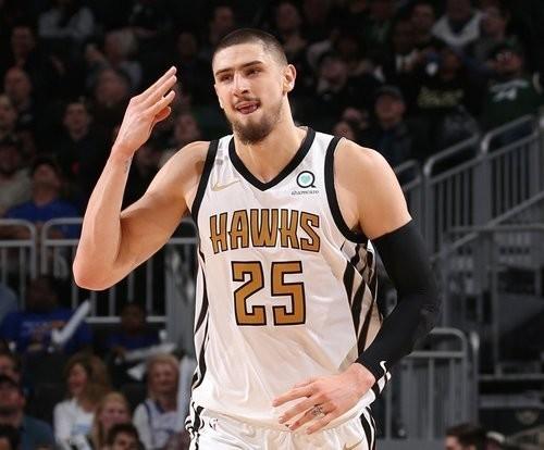 Алексей Лэнь дебютировал в предсезонке НБА, набрав 14 очков