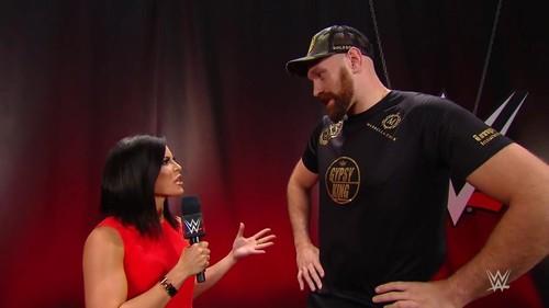 ВИДЕО. Тайсон Фьюри устроил бой на реслинге WWE