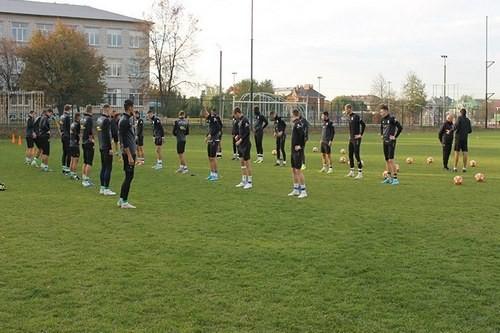 ФОТО. Олимпик вернулся к тренировкам