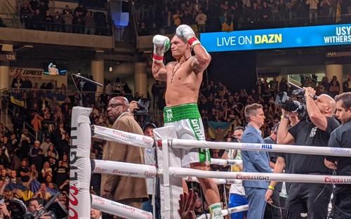 Усик может провести бой с Чисорой за вакантный титул WBO