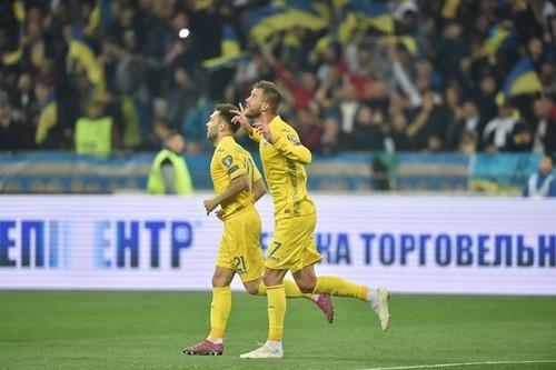 ФОТО ДНЯ. Радость сборной Украины после победы над Португалией