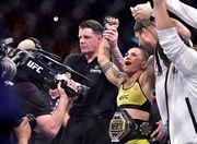 Самые яркие поединки и нокауты UFC 237