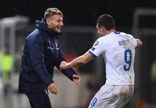 Группа J. Италия разгромила Лихтенштейн, Греция обыграла Боснию