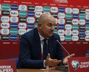 Станислав ЧЕРЧЕСОВ: «На стадионе во время матча только два дебила»