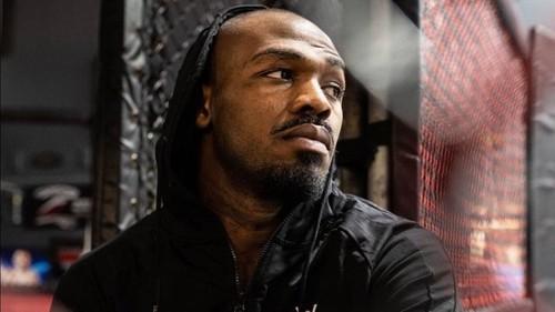 Чемпион UFC Джон Джонс признал вину, что домогался к официантке