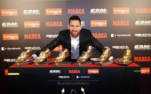 ВИДЕО. Барселона представила Месси в виде козла