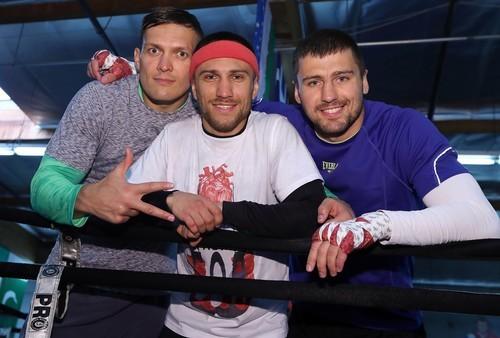 ВІДЕО. Ломаченко та Усик прибули на арену підтримати Гвоздика