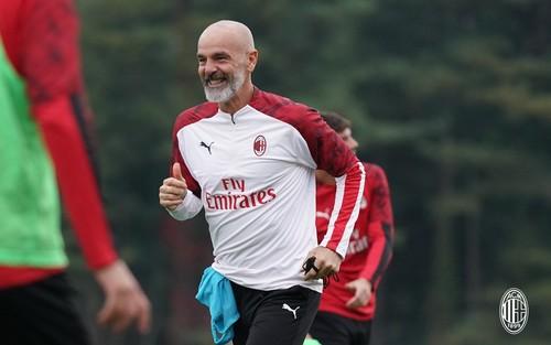 Милан упустил победу над Лечче в дебютном матче Пиоли