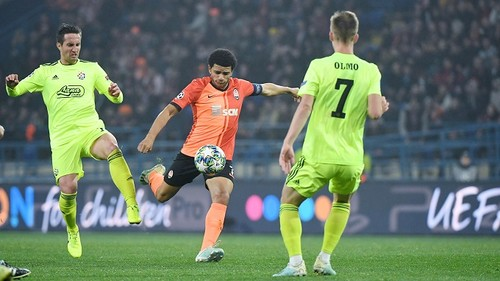 В поединке с Динамо отметили еврокубковые юбилеи четыре игрока Шахтера