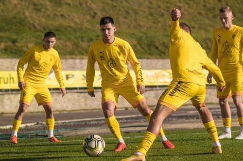 Рух оштрафован на 100 тысяч гривен за отказ играть мячами Select