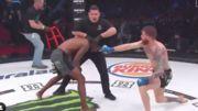 ВИДЕО. Боец MMA схватил судью за ногу и чуть не провел прием